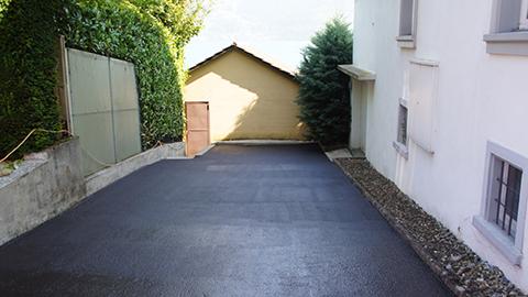 Garageneinfahrt asphalt  Parking | WestWood